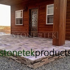Mixed Blend pavers over concrete with splitface veneer.